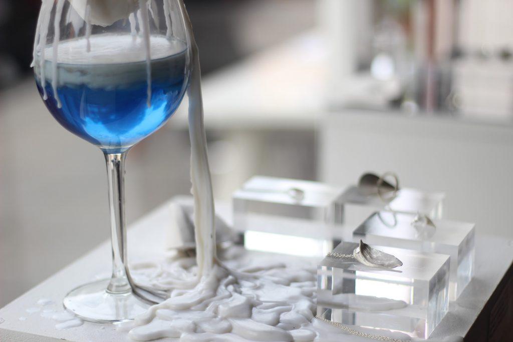 餐馆dumpling heart 设置展室laboratory soma,用独特的展台设计占据