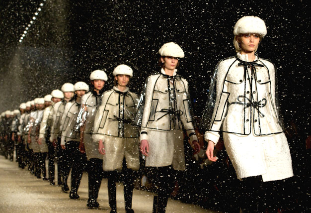 Burberry-Fall-2011-Snow