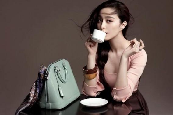 "Louis Vuitton ""策略性""放缓开店速度,为中国市场打造去Logo广告"