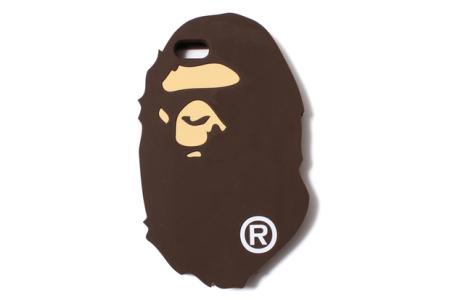 2011年5月 香港I.T 收购日本潮牌 A Bathing Ape 和BAPE