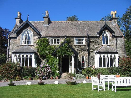 cedar-manor-hotel-and