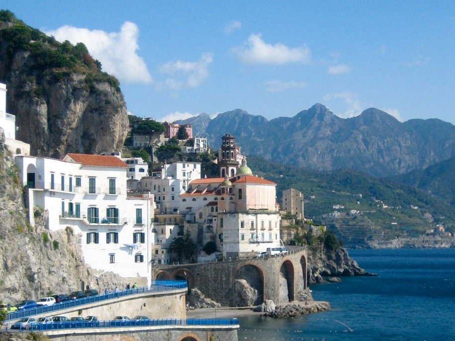 amalfi-coast-italy-the-skinny-roads-that-wind-around-hillsides-cant-be-driven-fast-theyre-too-small-and-the-italian-carabinieri-are-eagle-eyed