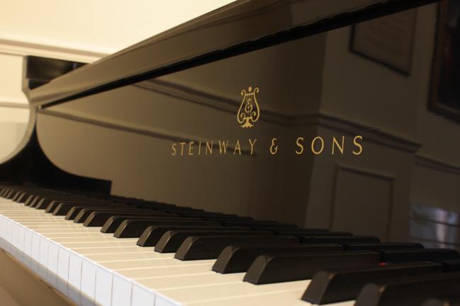 两大基金争抢老牌钢琴斯坦威-Paulson 对冲基金胜出