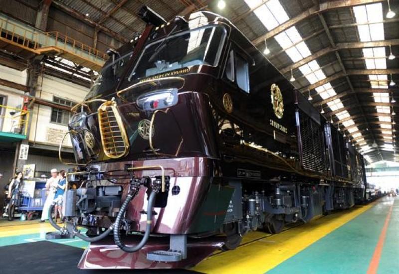 日本超豪华火车1.1万美元双人行一票难求