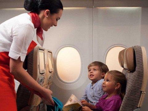 """对付空中""""坏小孩"""",航空公司各显神通"""