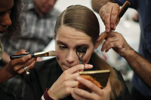 nyc-fashion-week-models-getting-ready-at-the-backstage (1)