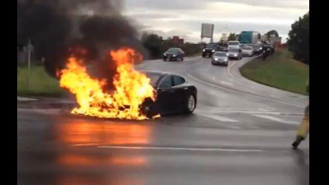 622335-tesla-car-fire