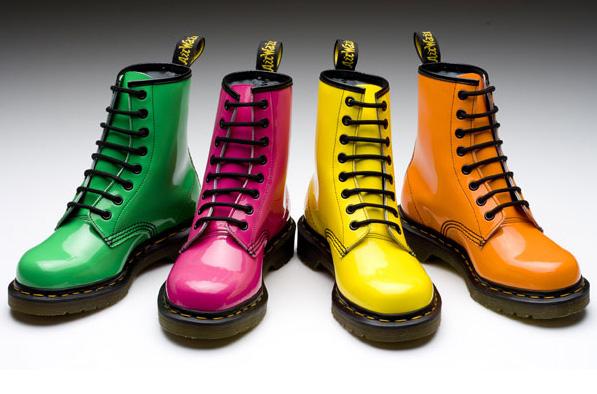 从马丁靴收购,看主要休闲运动鞋品牌的盈利与估值水平