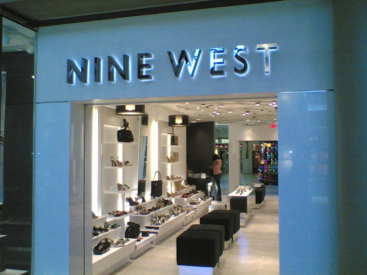 零售史翻篇:美国大型多品牌服饰集团称霸时代终结