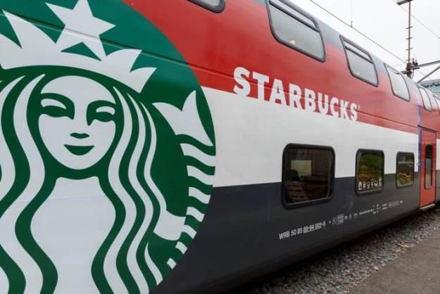 全球首家火车上的星巴克