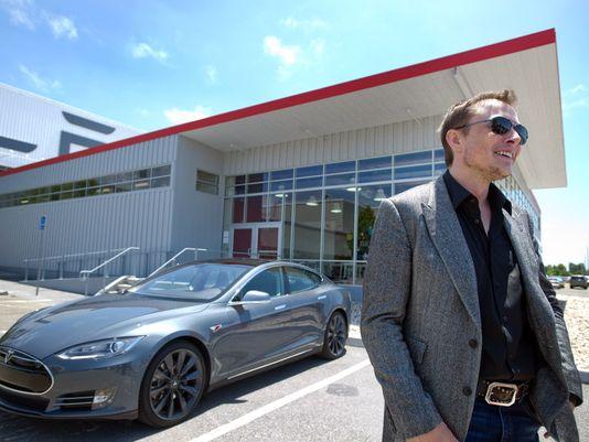 Tesla-musk model S