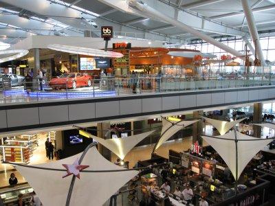 全球奢侈品旅行零售大旺,数据为证