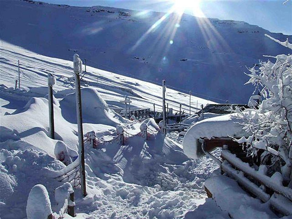 stand-at-the-8923-foot-summit-of-africas-highest-ski-resort-tiffendell-in-south-africa