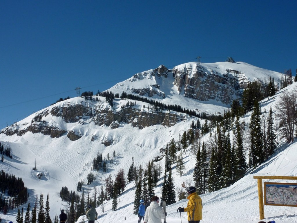 with-a-vertical-drop-of-4105-ft-and-116-trails-for-expert-intermediate-and-beginners-skiers-jackson-hole-mountain-resort-has-something-for-all-skill-levels-the-wyoming-mountain-was-ranked-the-1-overall-resort-by-ski-magazine-in-2013
