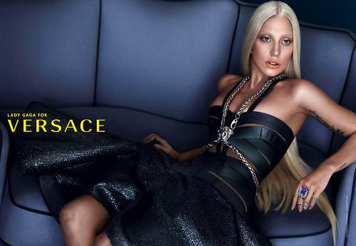 Versace 引入外部投资,私募巨头黑石胜出