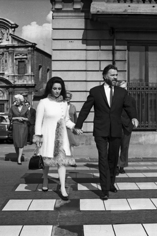 Elizabeth Taylor and Richard Burton in Florence