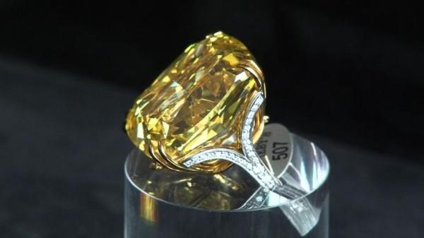 钻石拍卖PK,佳士得风头盖过苏富比