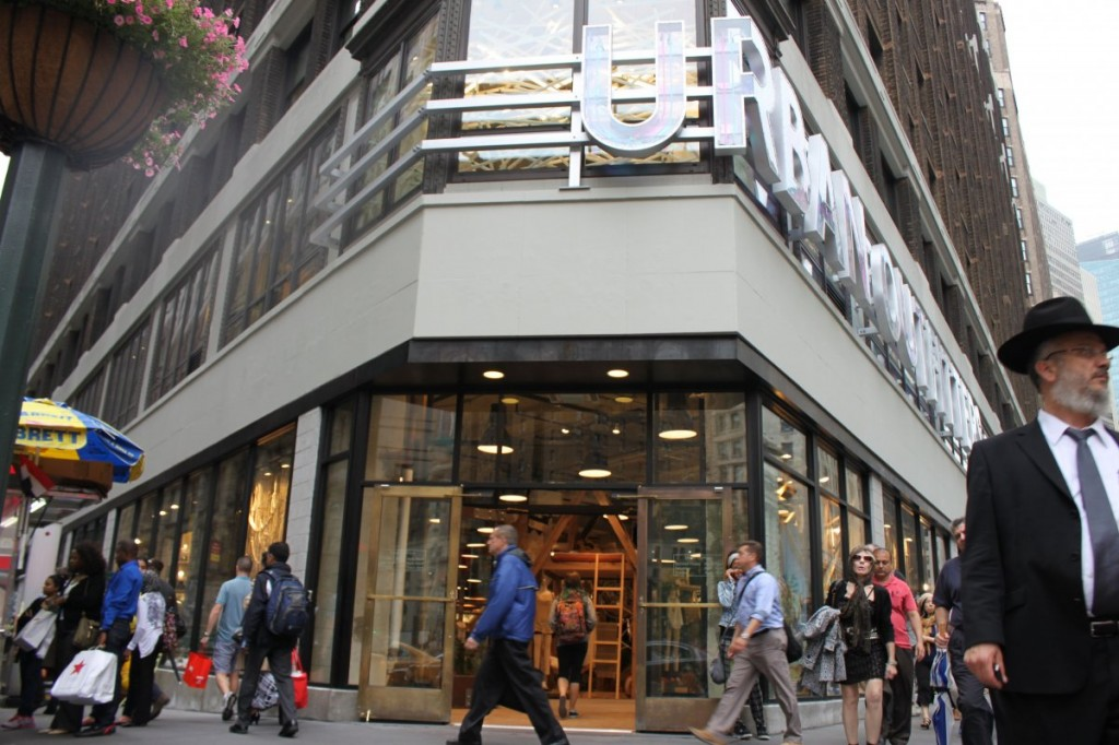 the-main-entrance-faces-macys-on-the-corner-of-broadway-and-34th-street