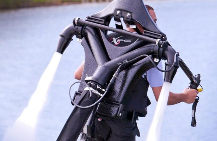 近距离体会当下最热门的休闲运动:喷气背包飞行