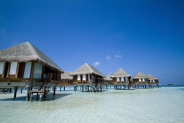复星提高报价重启Club Med之争
