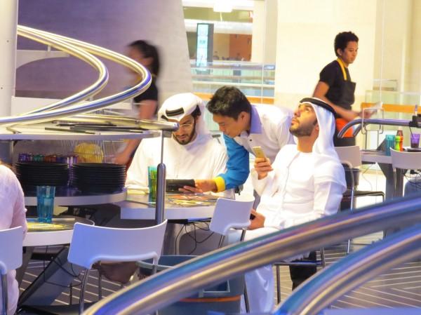 Roller-Coaster-Restaurant-Abu-Dhabi-600x449