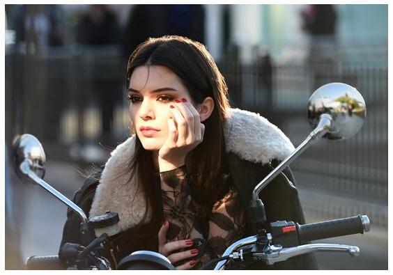 从雅诗兰黛的 Kendall Jenner 现象,看美容品牌的社交媒体误区