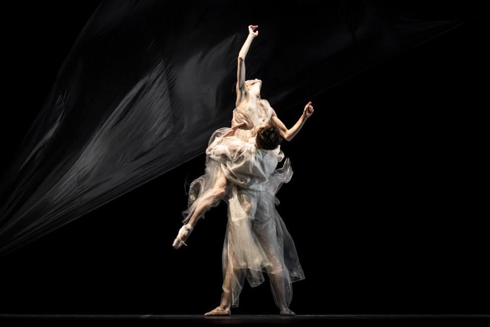 殷亦晴受邀为佛罗伦萨芭蕾舞剧设计演出服装