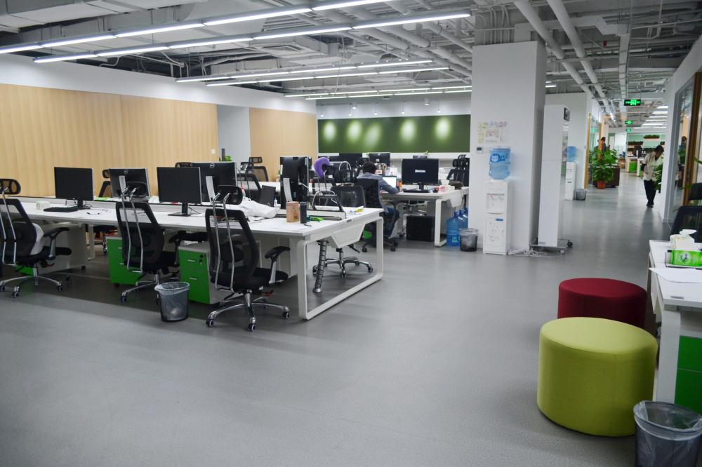 豌豆荚新办公空间 片状工位