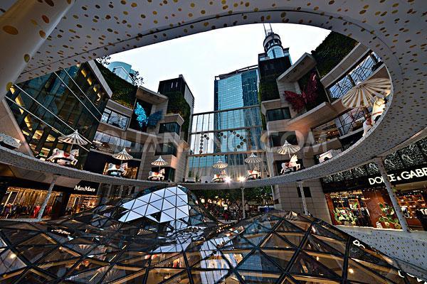 """香港一月零售额同比下滑14.6%,创""""非典""""以来最大单月跌幅"""