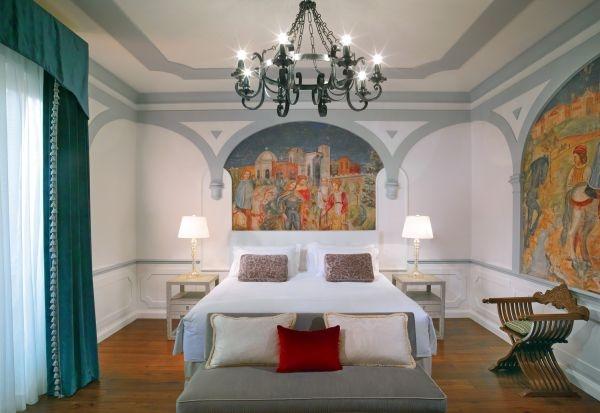St-Regis-Florence-Florentine-style-Premium-Suite