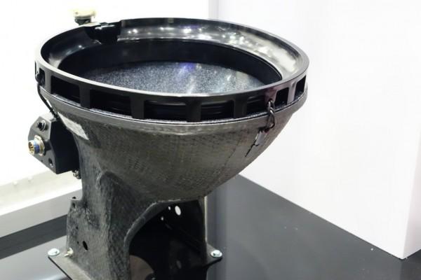 Zodiac 航空厕所新革命:让在飞机里上厕所,修厕所变得更愉悦