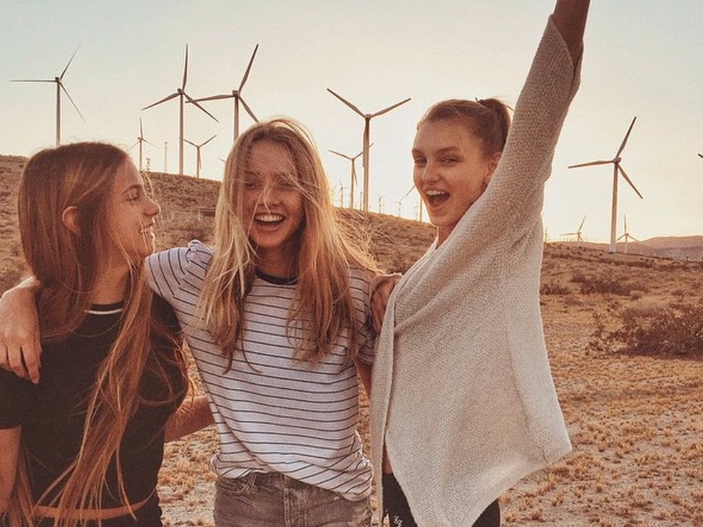 brandy-melville-built-a-business-catering-to-teens-on-instagram