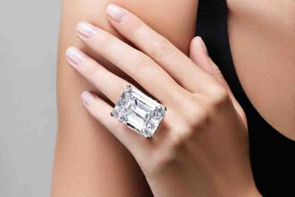 拍卖史上最贵最大的 10颗钻石