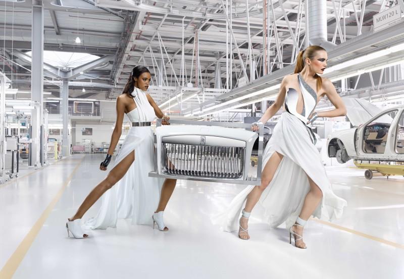 Rolls-Royce_Wraith_Inspired_by_Fashion_6-800x553