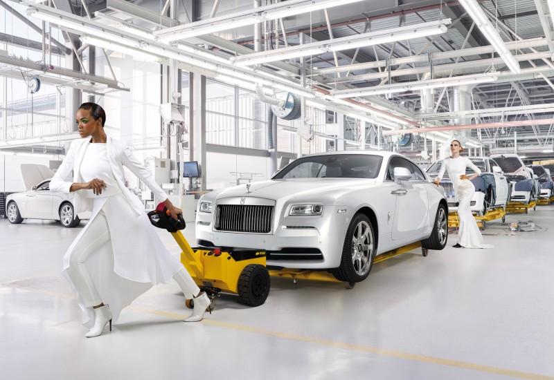 Rolls-Royce_Wraith_Inspired_by_Fashion_8-800x550