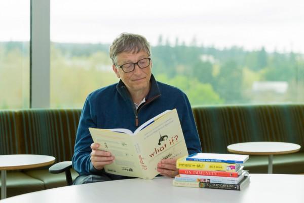 比尔盖茨希望你今年夏天读这七本书