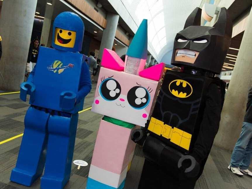 lego-movie-cosplay-sdcc-2014-1