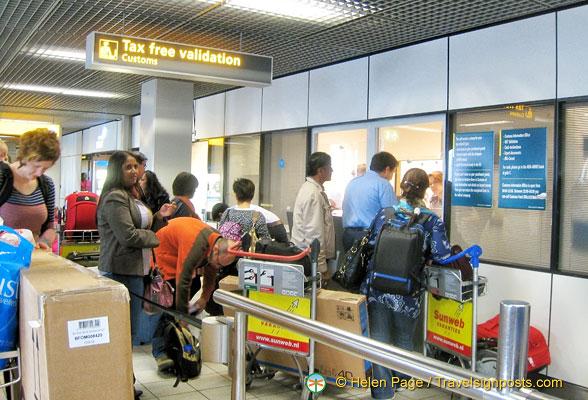 上月全球旅游消费飙升 50.1%,中国游客海外消费几乎翻番