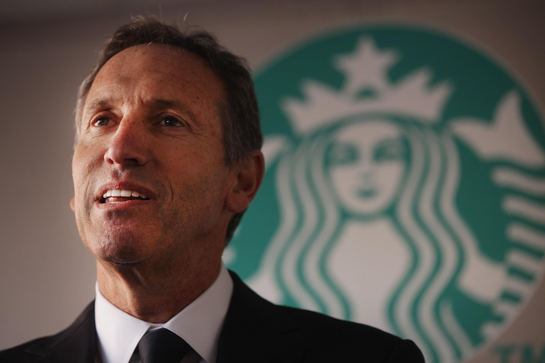 从白手起家到咖啡帝国缔造者:星巴克 CEO Howard Schultz 的励志故事