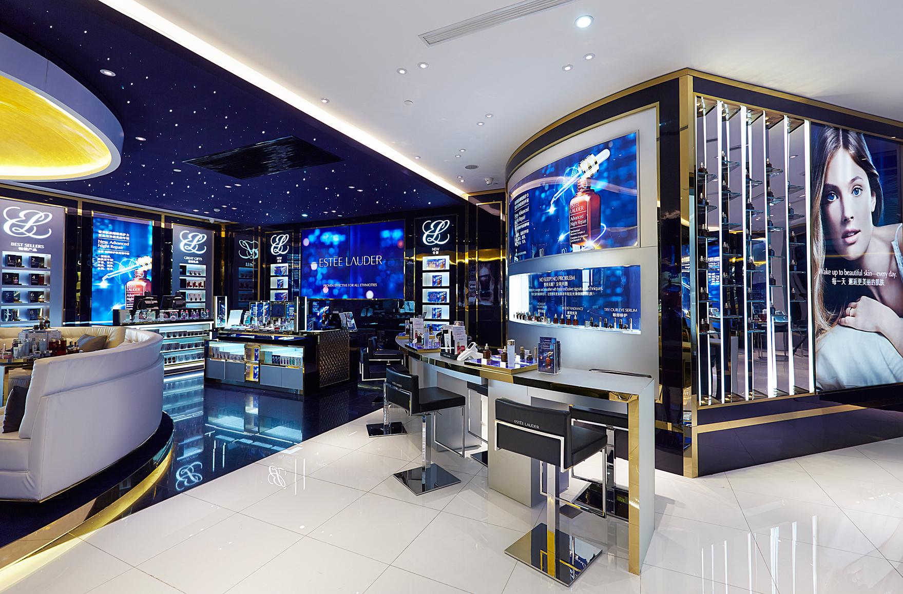 雅诗兰黛集团旗下七大品牌 7月1日起在中国全线降价,小棕瓶直降 14%