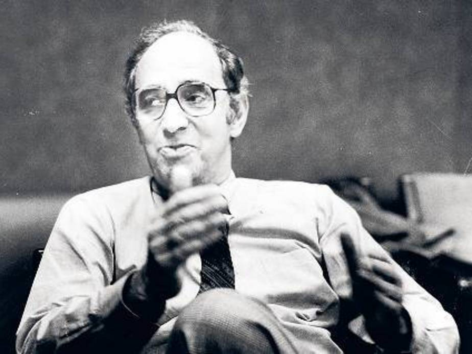 Scientist Thomas S. Kuhn shown in New York in 1982, tried to protect his original ideas from their logical consequences.