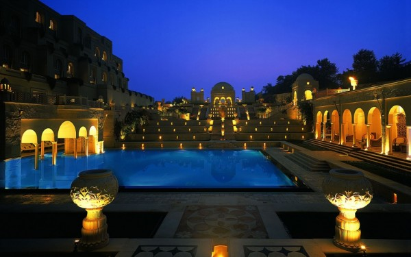 WBTOPHOTELS0715-oberoi-amarvilas-agra