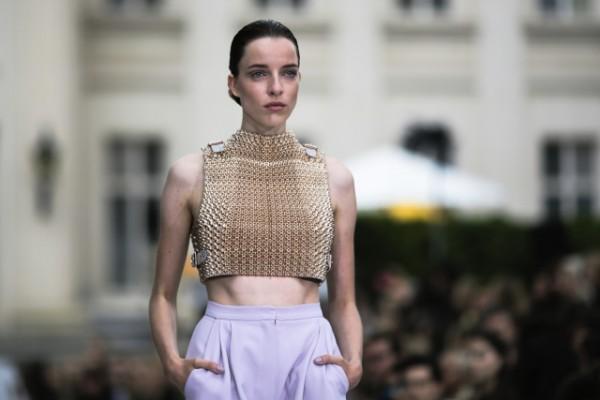在巴黎和柏林的秀场,3D 打印时装貌似越来越靠谱了!