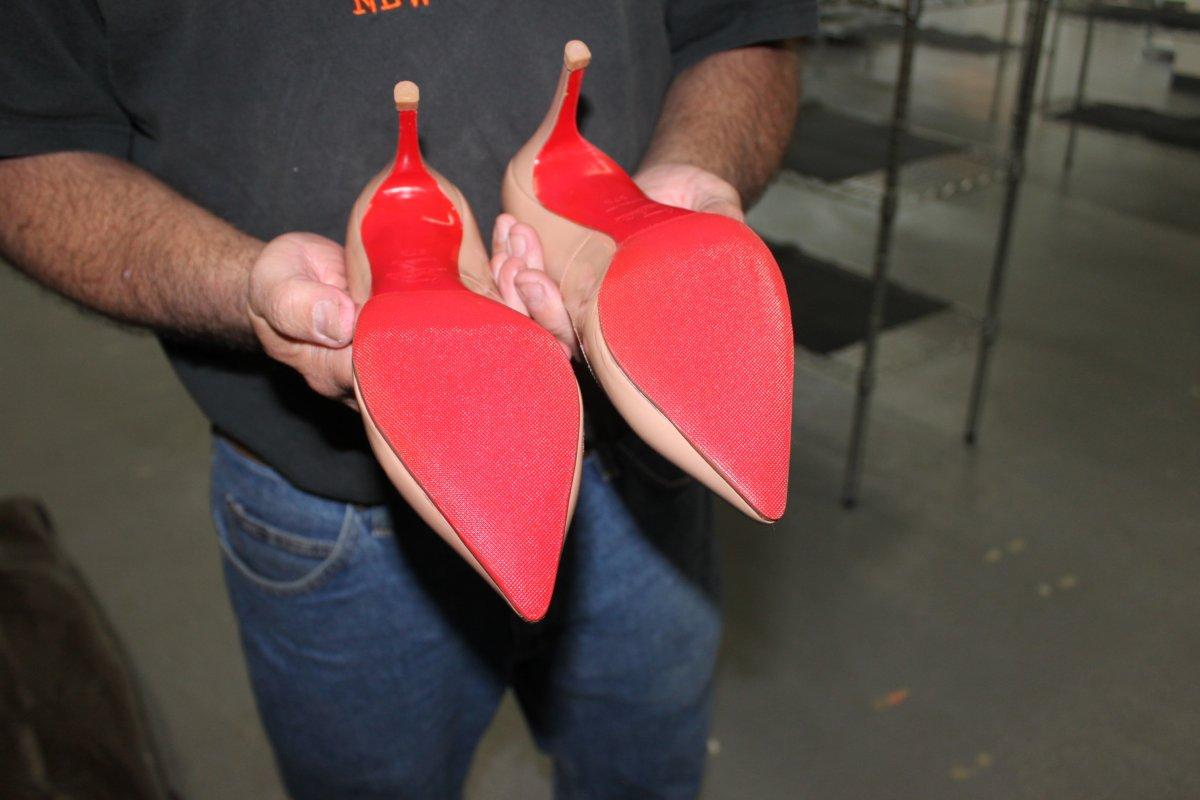 普林斯顿大学两校友创办修鞋O2O,给你的红底鞋第二次生命!