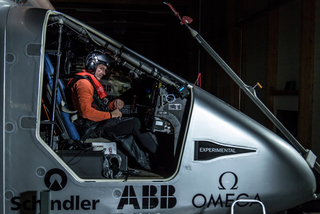 in-the-cockpit-of-the-solar-impulse-2