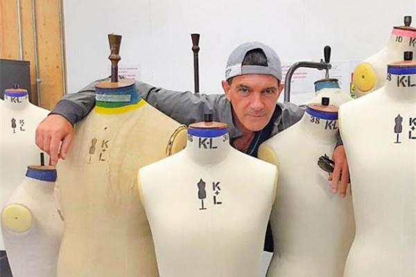 55岁的好莱坞巨星 Antonio Banderas 就读中央圣马丁学院剪裁课程