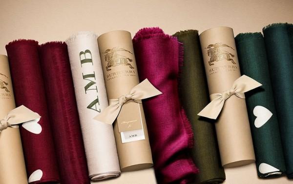 Burberry 推出专属 Scarf Bar 服务,让你设计自己独一无二的羊绒围巾