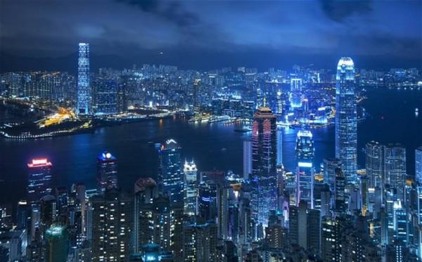 对比大陆和香港消费者在奢侈品消费观念上的三大异同点