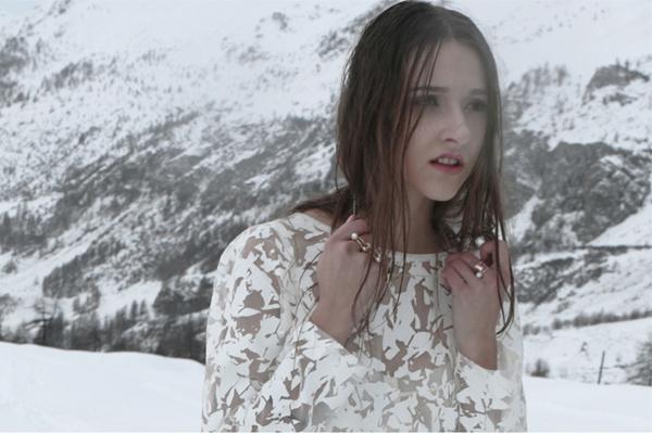 【华丽集 · 轻专访】Sia Karati:用珠宝讲故事的人