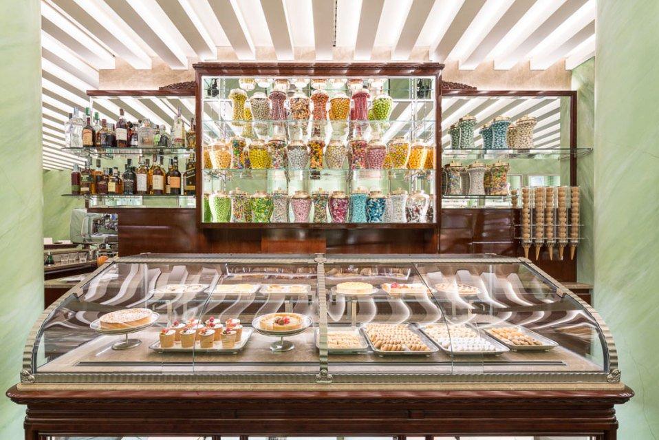 Prada 收购的200年历史糕点铺开张新店,计划进军国际市场